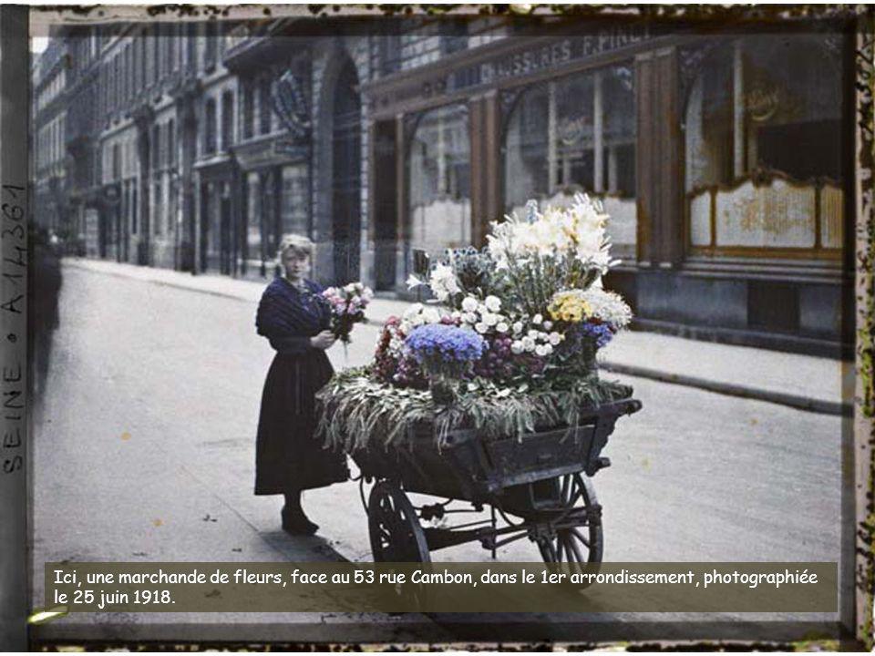 Le fonds du musée Albert-Kahn comporte de nombreuses photographies prises en 1914, au tout début de la Première Guerre mondiale. Ici, le faubourg et l