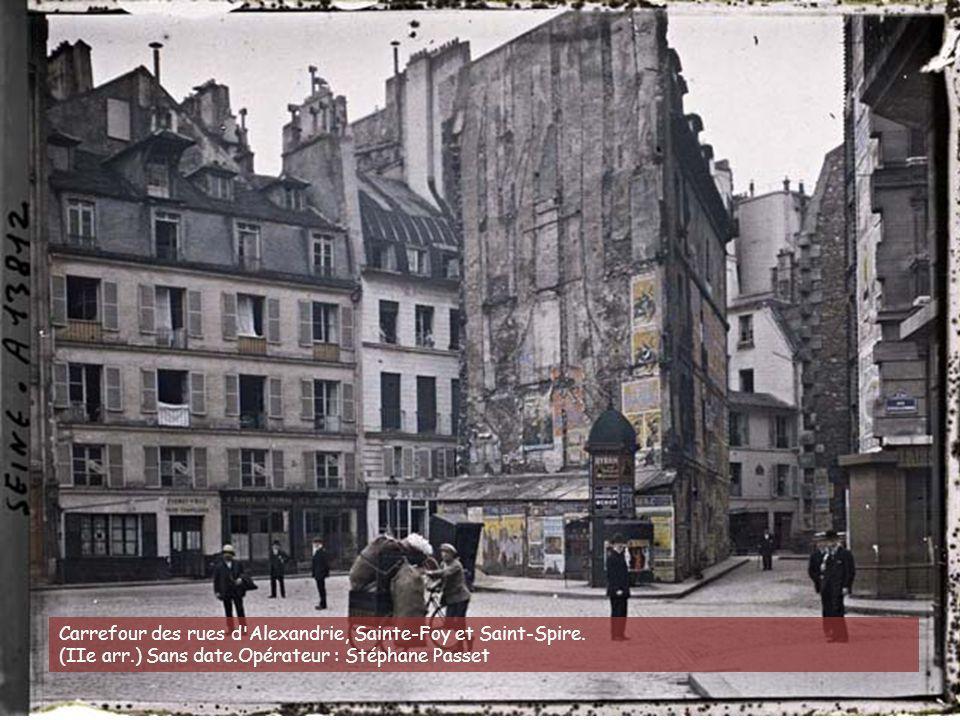 Place Jussieu, angle des rues Linné et des Boulangers. (Ve arr.) 29 juin 1914.Opérateur : Stéphane Passet (?)