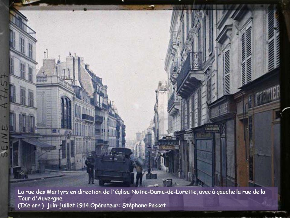 La rue du Haut-Pavé à l'angle de la rue de la Bûcherie. (Ve arr.) 23 juin 1914. Opérateur : Stéphane Passet (?)