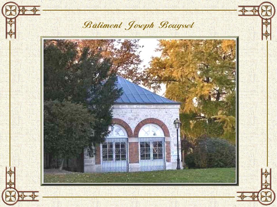 Le pavillon de la diapositive suivante porte le nom de Joseph Bouyssel, instituteur à Conflans, mort en 1940 dans le maquis du G ers. Il fut construit