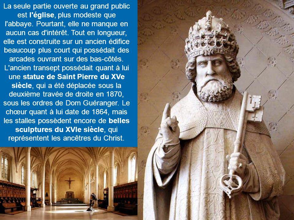 Si aujourd'hui l'abbaye Saint-Pierre est connue mondialement, notamment grâce aux traditionnels chants grégoriens, elle n'était à l'origine qu'un prie