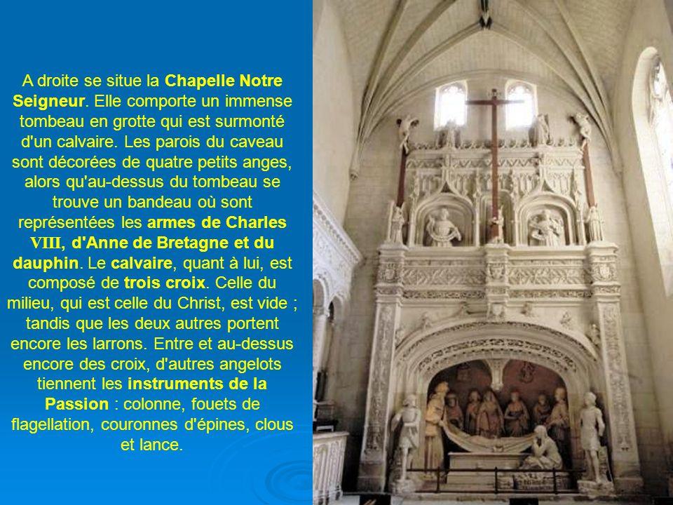 Mais l'essentiel dans cette église réside dans les fameuses sculptures qui ont participé à sa renommée : celles des Saints de Solesmes. Groupées dans
