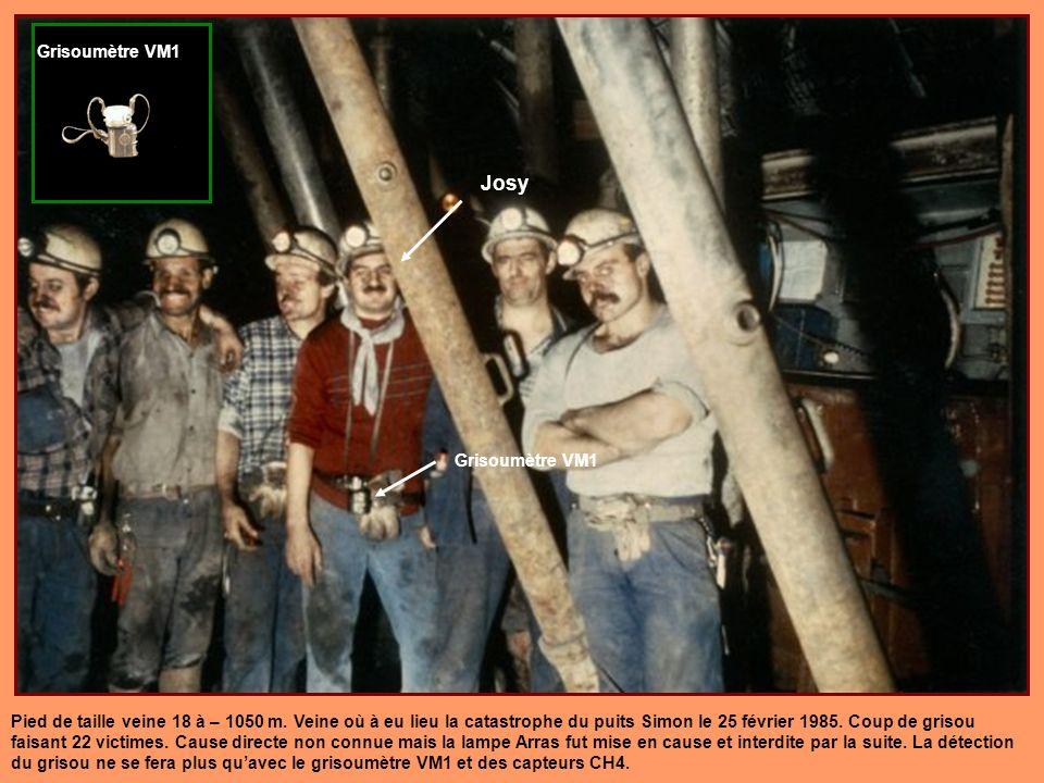 Lampe ARRAS Type CF agrée le 6/1/1953 Mise hors service après la catastrophe du puits Simon en 1985 où elle fut sérieusement mise en doute voir même e