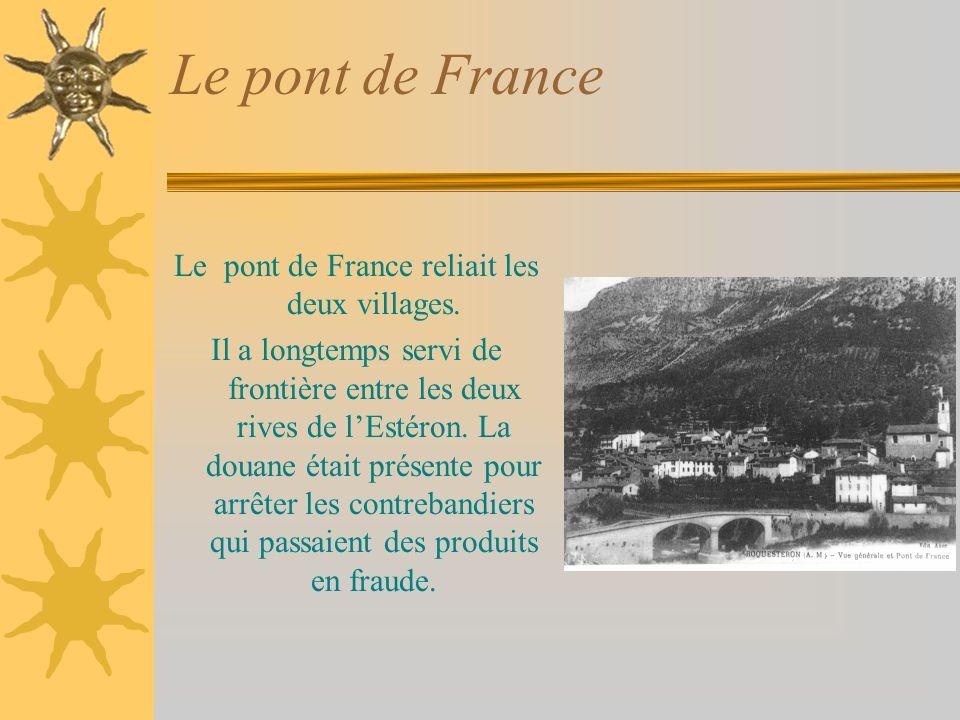 Liens Roquestéron, Roquestéron-Grasse Roquestéron-Grasse est le village ancien.On y trouve la chapelle de Ste Pétronille, les ruines du château et des vieilles maisons.Vers le XV ème siècle, les habitants traversent lEstéron et peuplent la rive gauche.