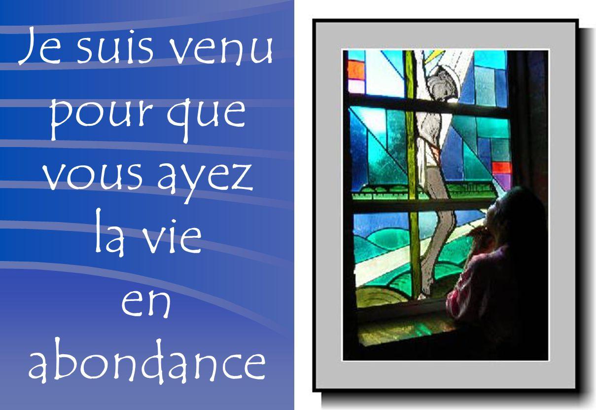 Dieu a tant aimé le monde quil a donné son Fils unique Dieu vivant, Dieu très haut, tu es le Dieu d amour ;