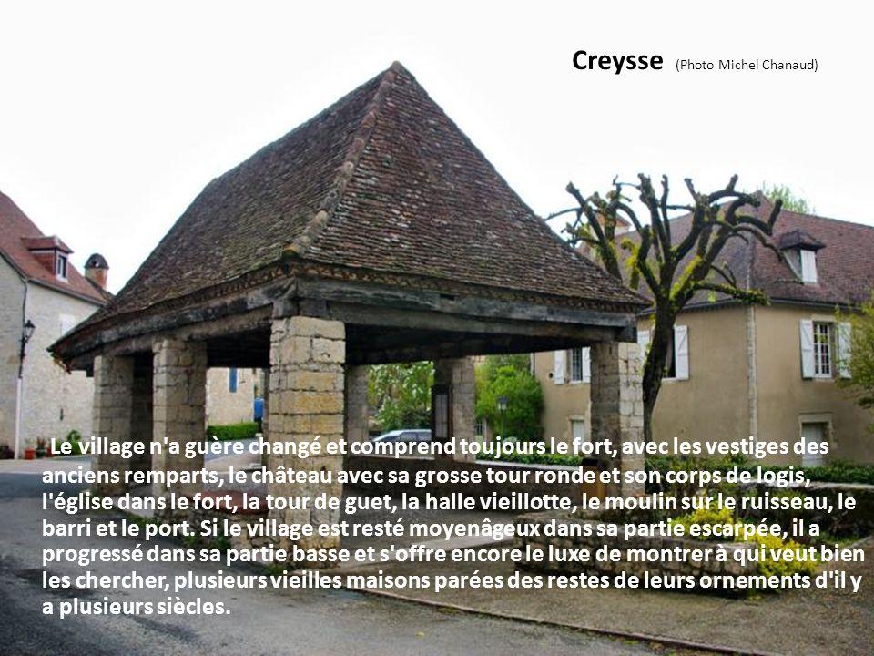 Loubressac (Photo Daniel Farinelle) C'est un village médiéval classé parmi les plus beaux villages de France avec son château et son église apparaissa
