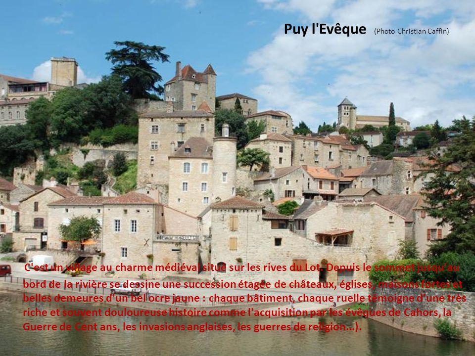 Villages du Quercy Blanc - Lot Cette région est aussi le pays des vignobles de Cahors. Ici, point de falaises mais d'innombrables méandres dessinés pa