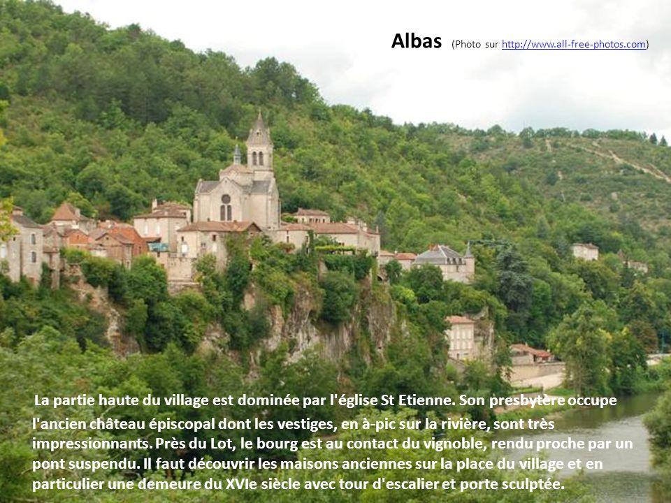 Castelnau Montratier (Photo Michel Vincendeau) Construite sur un promontoire, cette ancienne bourgade du XIIIe siècle a conservé des témoins intéressa