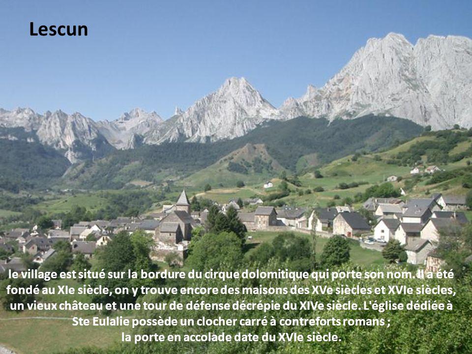 ce village fut longtemps la capitale de la vallée d Aspe.