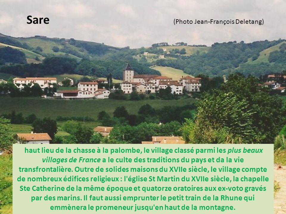 Villages du Labourd - Pyrénées Atlantiques Les terres du Labourd, limitées au nord par l'Adour, sont historiquement liées à la mer. C'est en partie, u