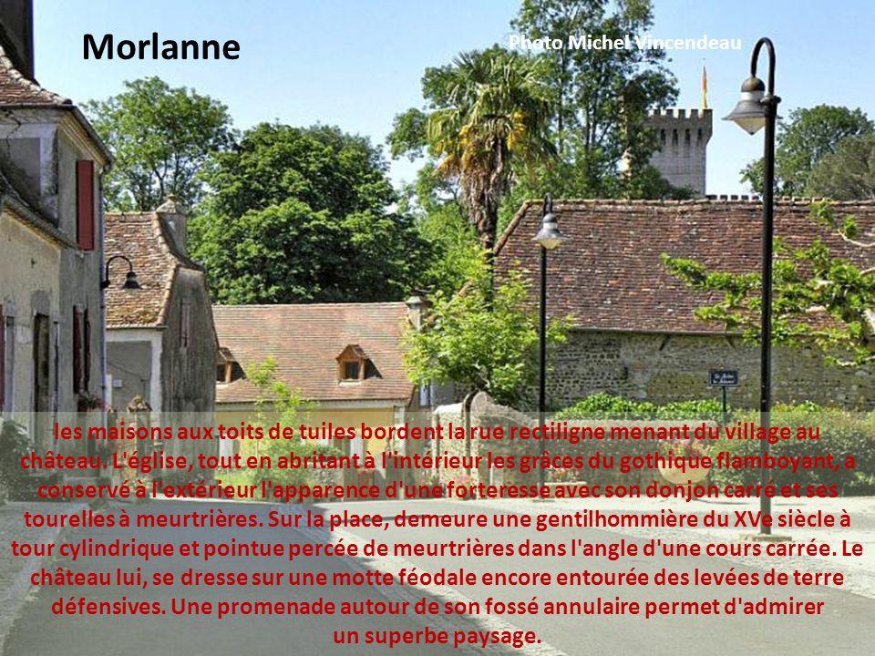 c est en 1283 que le village a été fondé avec l édification d une maison forte au bord de la Joyeuse, rivière qui va rejoindre l Adour.