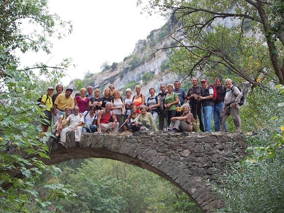 Et ce petit pont, qui semble fragile, a bien supporté le groupe