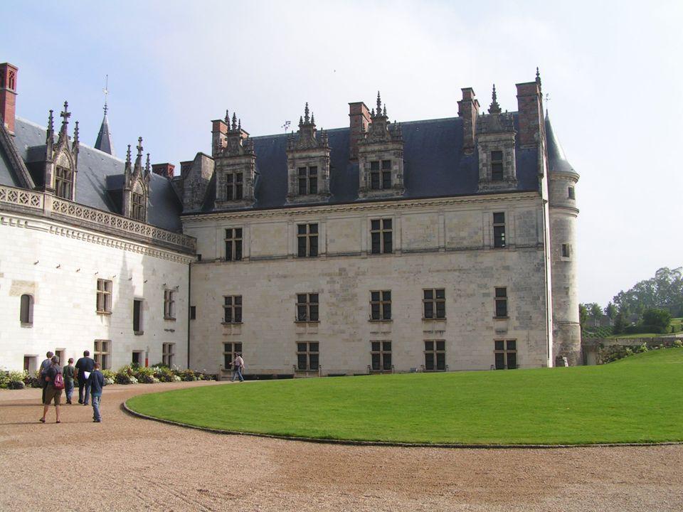 Histoire Aux abords de l An Mil, Amboise est la place la mieux protégée de tout l ouest de la France.