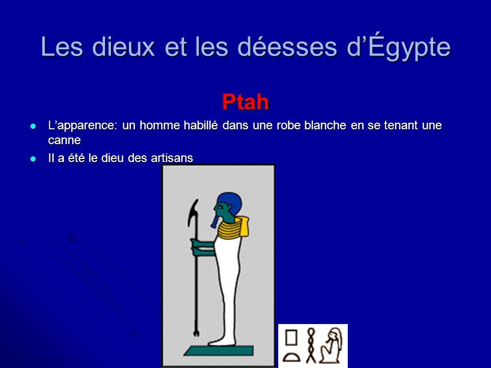Les dieux et les déesses dÉgypte Ptah Lapparence: un homme habillé dans une robe blanche en se tenant une canne Lapparence: un homme habillé dans une