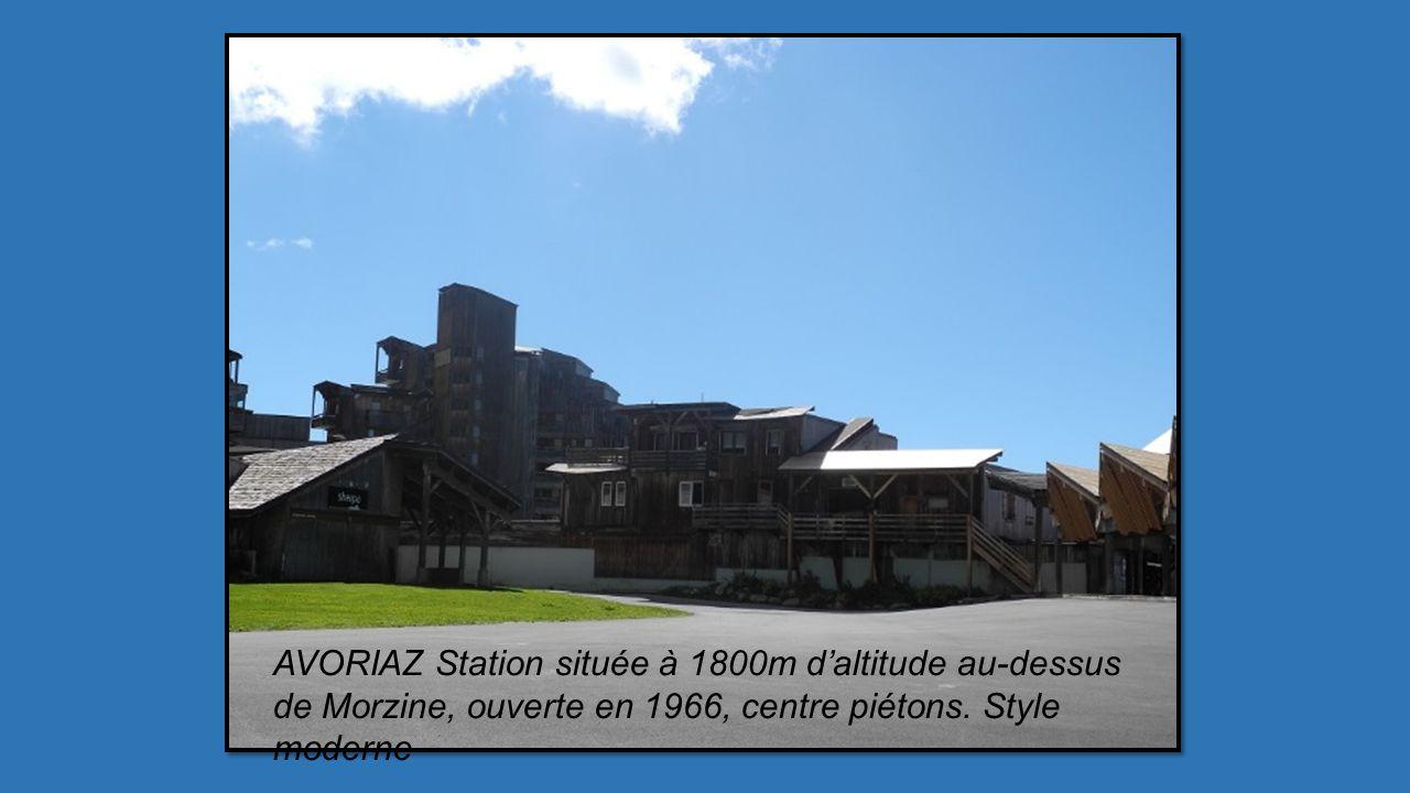 Promenade à cheval ou poney pour les enfants, autre façon de parcourir cette station aux multiples pistes de ski