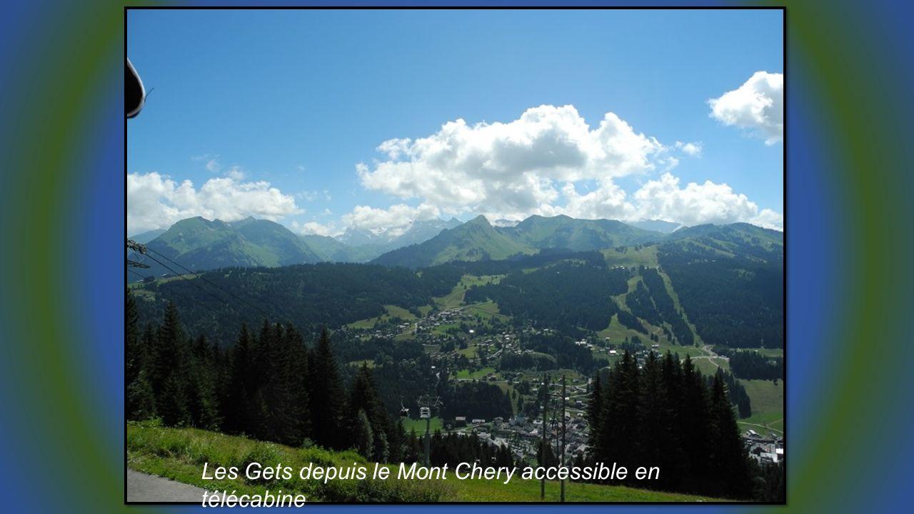 Les Gets depuis le Mont Chery accessible en télécabine