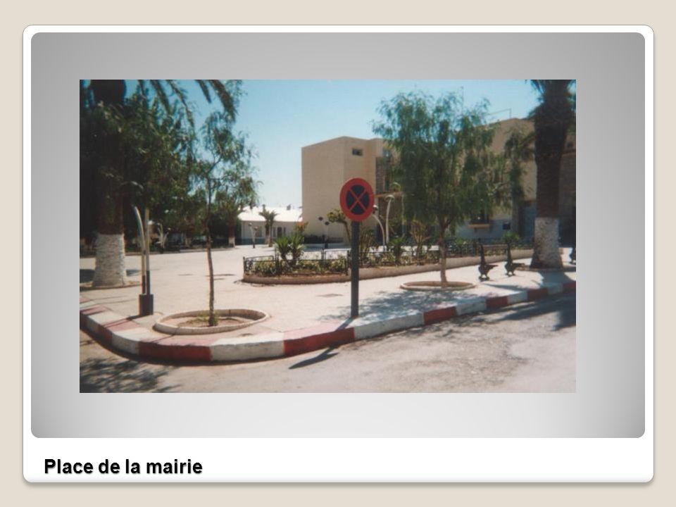 La mairie l Eglise