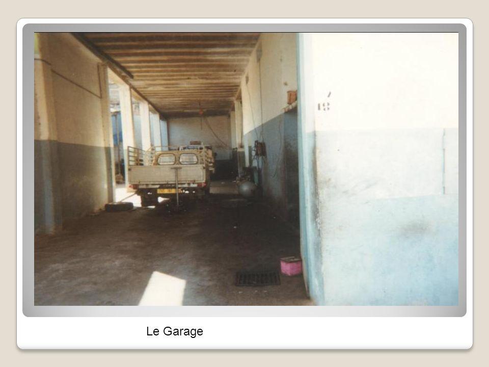 Garage Alonso un appartement au dessus du garage à été construit, à coté la maison à Mr Pomiès