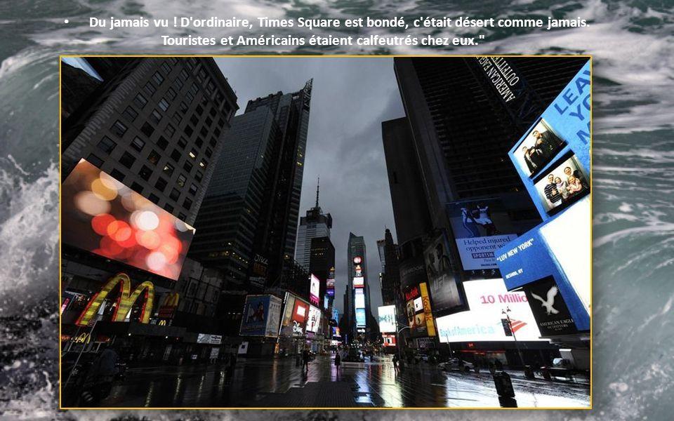 Intervention des pompiers new yorkais dont la façade sest effondrée sous la force de Sandy