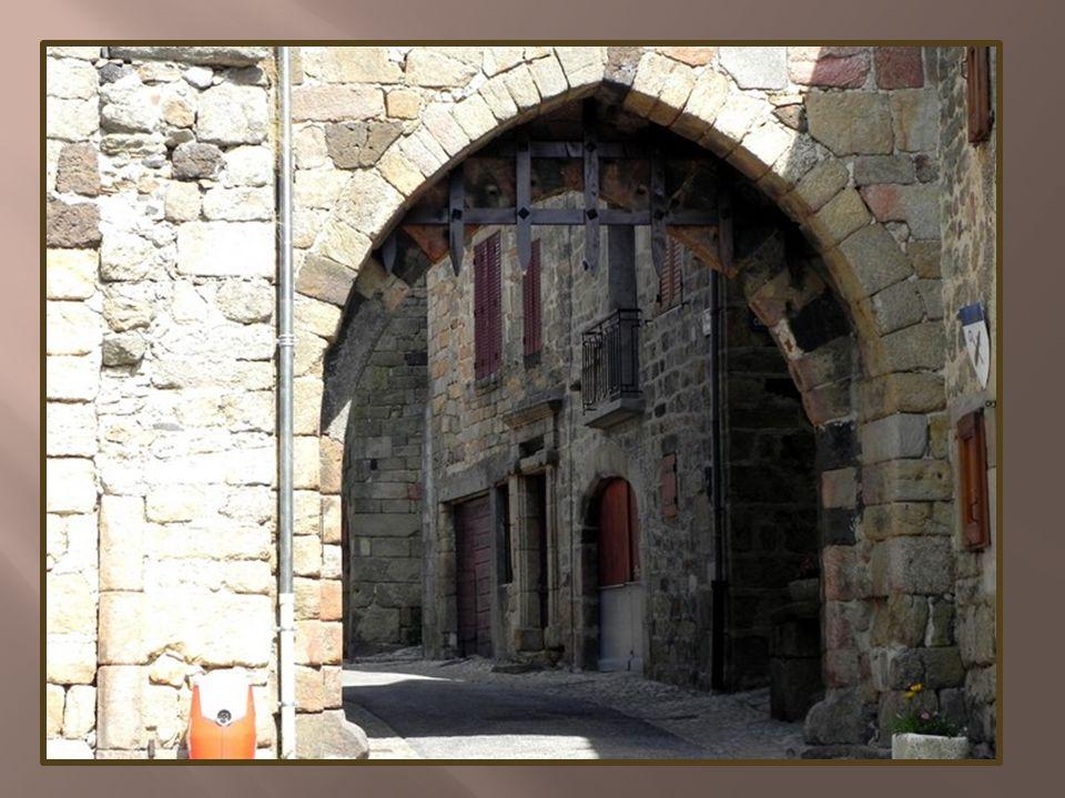 Une des portes de la vieille ville
