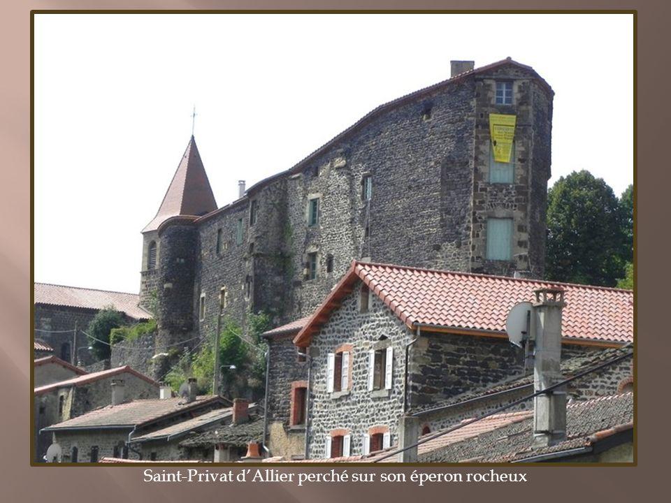 Deux communes des gorges de lAllier sur les sentiers du pèlerinage de Saint-Jacques-de-Compostelle