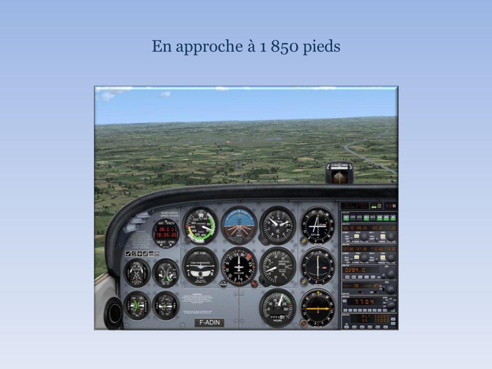 En approche à 1 850 pieds