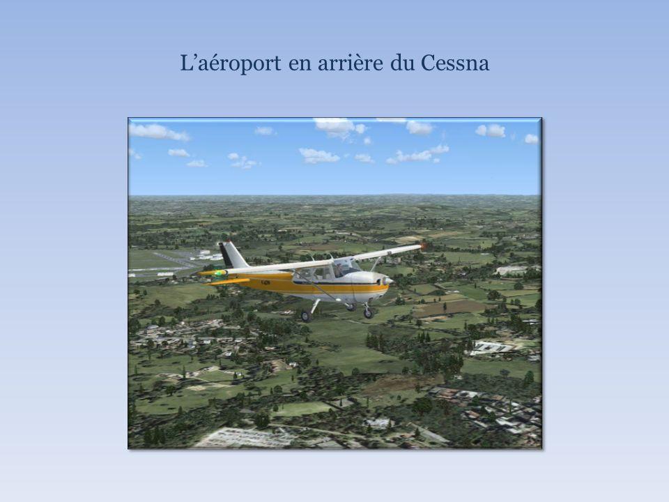 Laéroport en arrière du Cessna