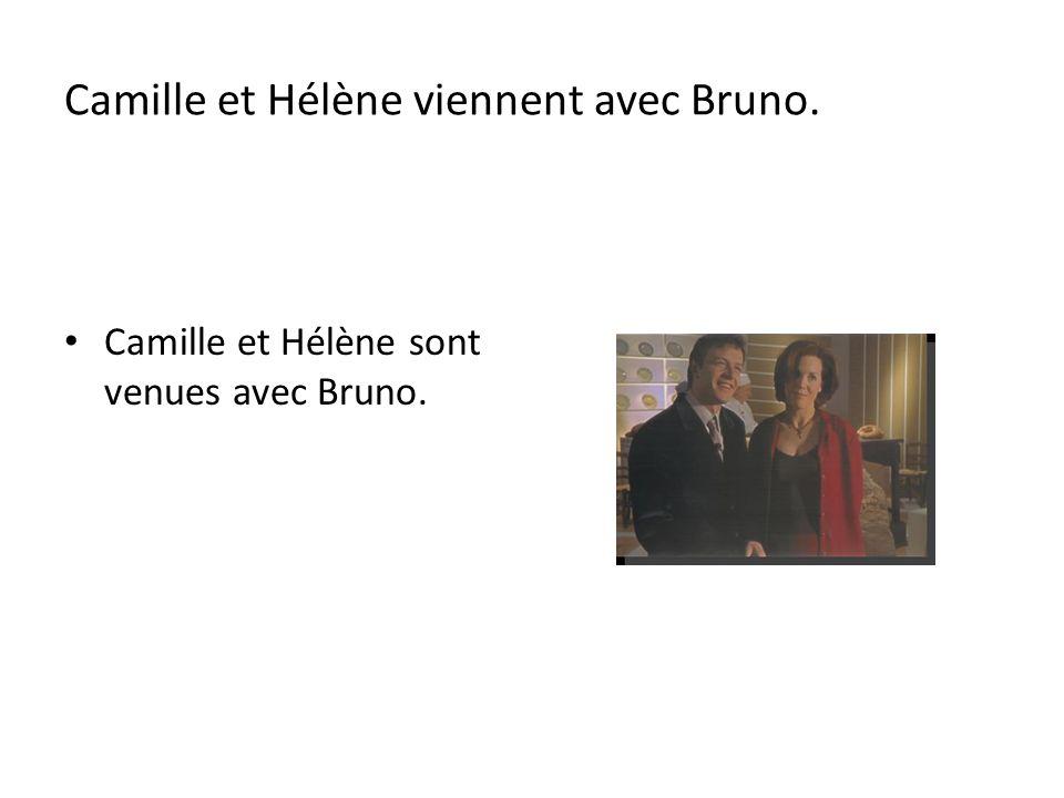 Hélène est canadienne. Elle ____ ____ à Montréal. est née