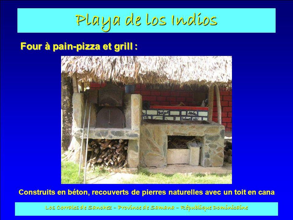 Playa de los Indios Los Corrales de Sanchez – Province de Samana – République Dominicaine Four à pain-pizza et grill : Construits en béton, recouverts