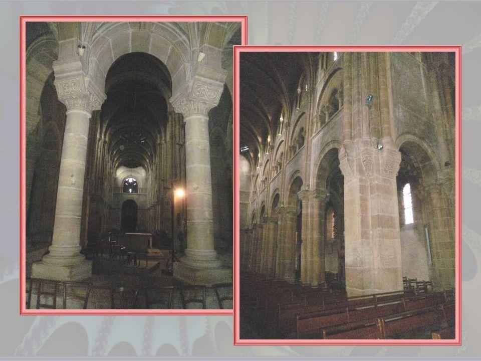 Récemment restaurée, elle offre aux regards de beaux vitraux modernes mais elle abrite aussi une statue et un bas-relief représentant Sainte Marguerit