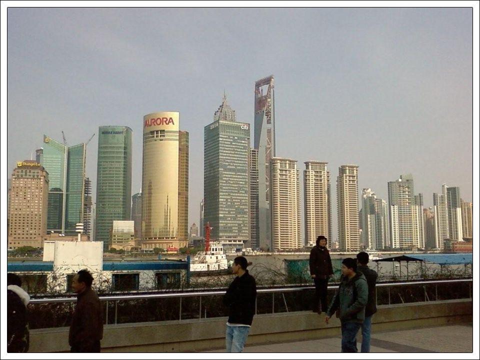La tour de télévision avec ses 234 mètres