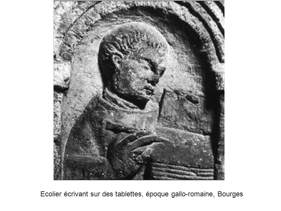 De très nombreuses inscriptions reprennent les premiers mots de lEnéide de Virgile.