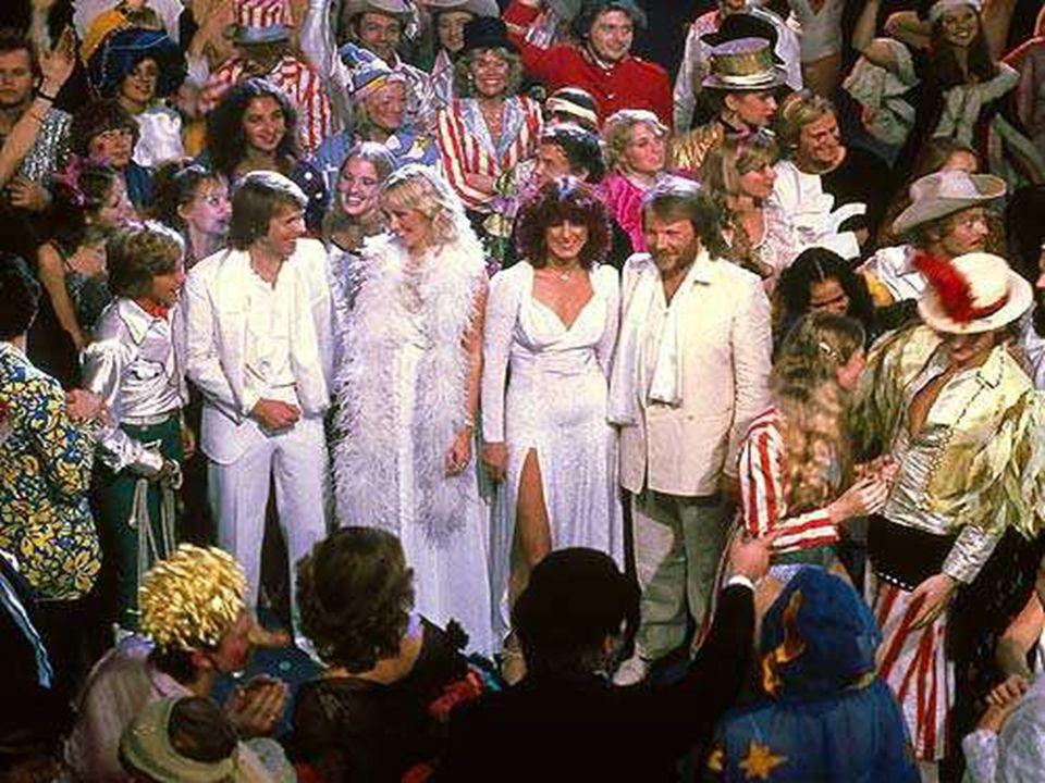 1977: Le grand événement de cette année est la grande tournée mondiale.