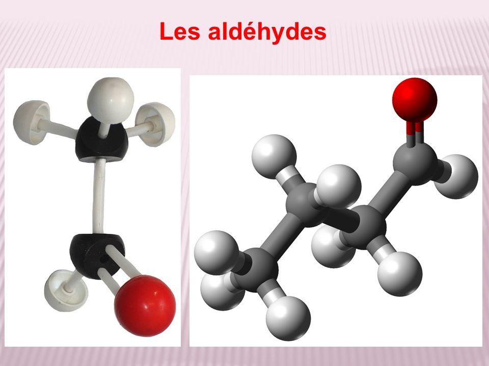 Test d identification Les aldéhydes réagissent positivement aux deux tests suivants : l un à la 2,4-DNPH avec la formation d un précipité jaune orangé ; l autre à la liqueur de Fehling avec la formation d un précipité rouge brique.
