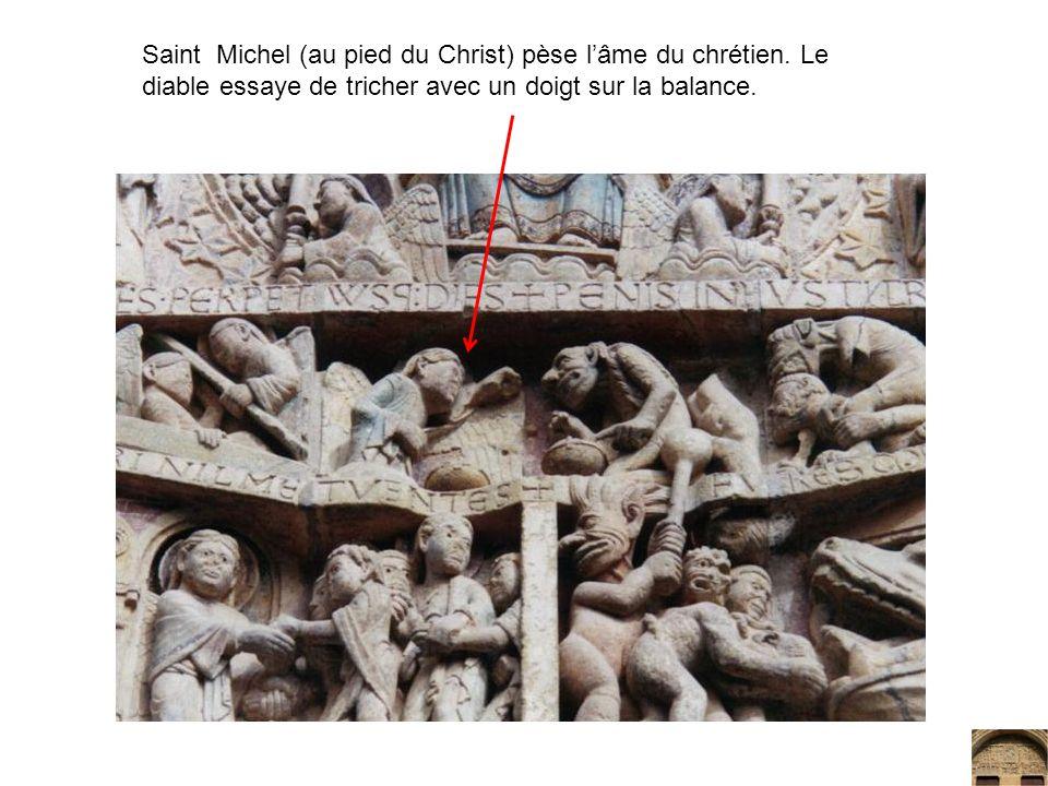 Saint Michel (au pied du Christ) pèse lâme du chrétien. Le diable essaye de tricher avec un doigt sur la balance.