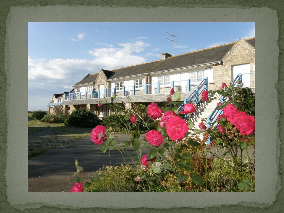 Le transport Pour nous rendre à Guidel Nous partirons de l école le lundi matin vers 9h15, direction la gare SNCF de La Rochelle.