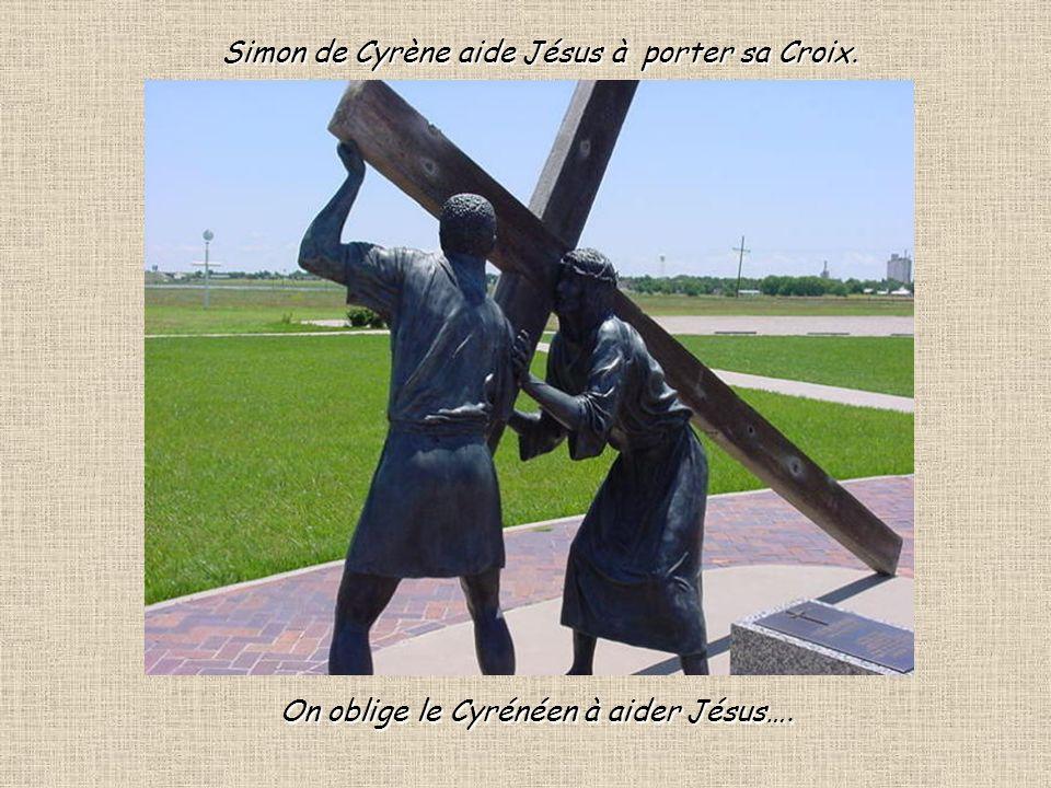 5 Ils se saisirent de Jésus …et Lui, portant sa croix gagna le lieu appelé Golgotha.