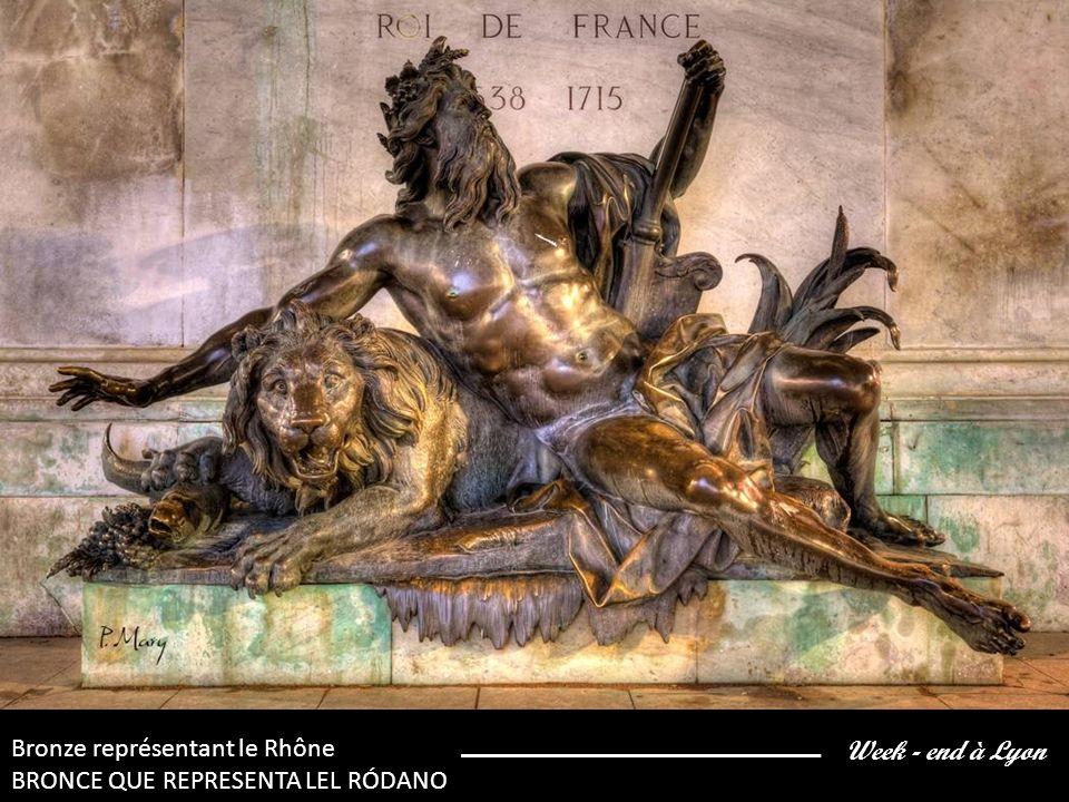 Week - end à Lyon Bronze représentant la Saône BRONCE QUE REPRESENTA LA SAÔNE