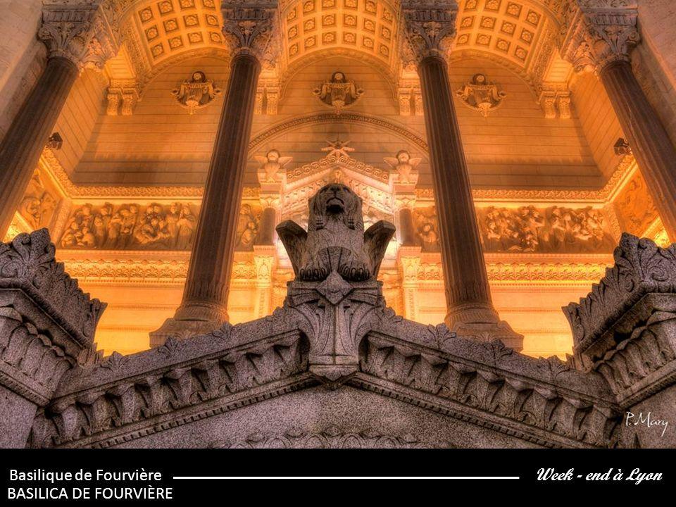 Week - end à Lyon Les voûtes de la Basilique de Fourvière LOS ARCOS DE LA BASÍLICA DE FOURVIÈRE