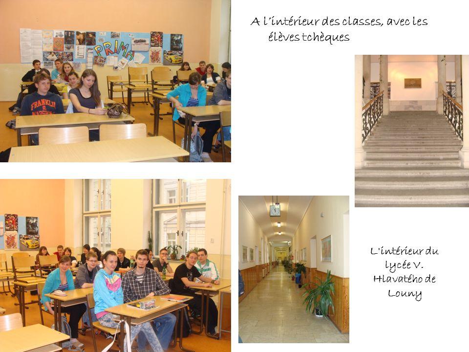 A lintérieur des classes, avec les élèves tchèques L'intérieur du lycée V. Hlavatého de Louny