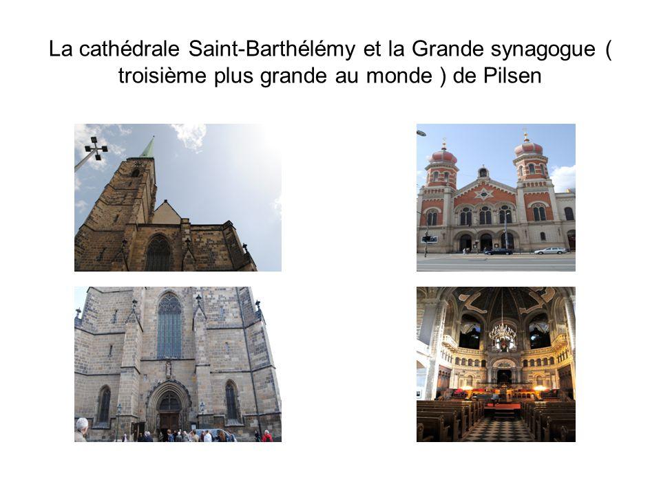 La cathédrale Saint-Barthélémy et la Grande synagogue ( troisième plus grande au monde ) de Pilsen