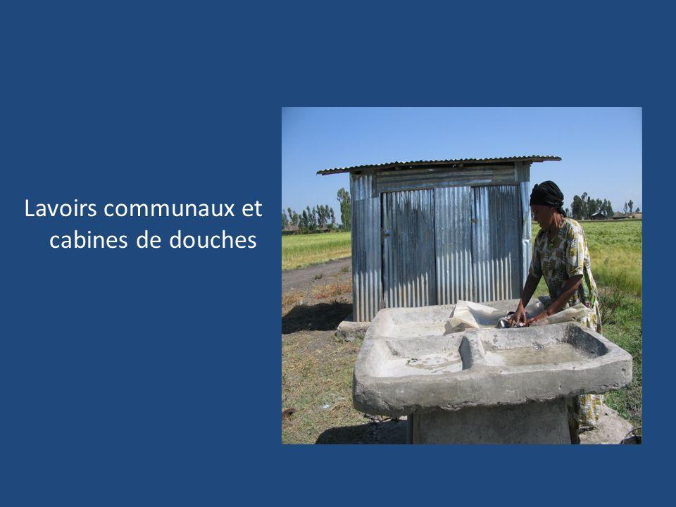 Lavoirs communaux et cabines de douches