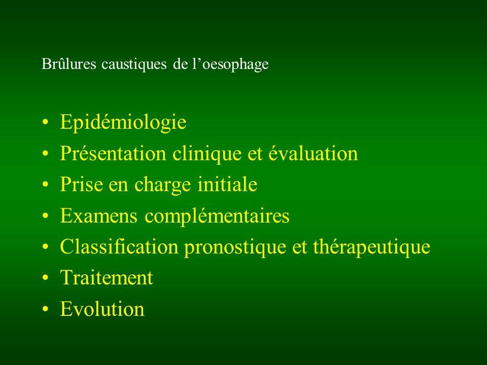 Brûlures caustiques de lœsophage: PEC chirurgicale Oesophagectomie en urgence (stripping: C-I si atteinte trachéale) + Oesophagostomie +/- Gastrectomie + Jéjunostomie dalimentation +/- ttt des ulcérations trachéobronchiques (patch pulmonaire, lambeau Gd dorsal sous thoracotomie Dte) +/- duodéno-pancréatectomie céphalique (laparotomie exploratrice)
