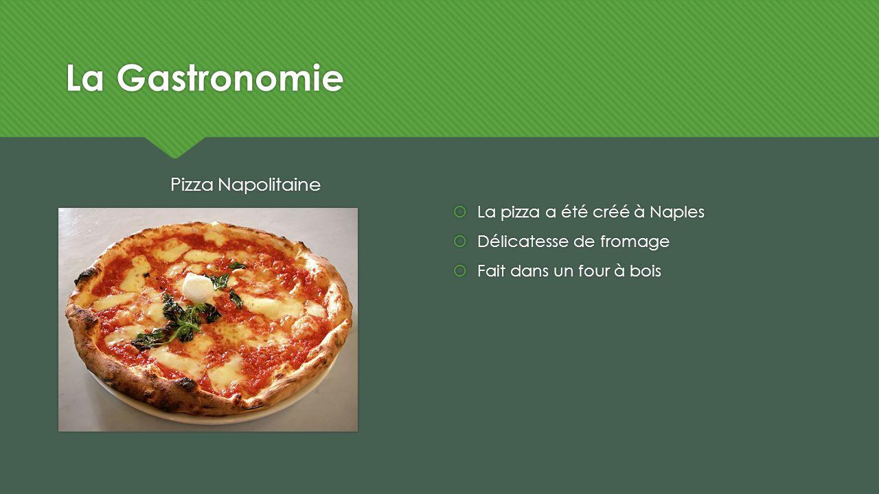 La Gastronomie Pizza Napolitaine La pizza a été créé à Naples Délicatesse de fromage Fait dans un four à bois