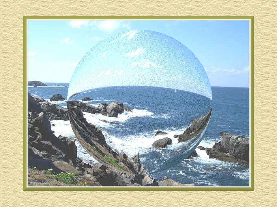 Cest lîle française de la côte atlantique la plus éloignée du continent. Elle vit principalement du tourisme et de la pêche au thon. Les principaux ba