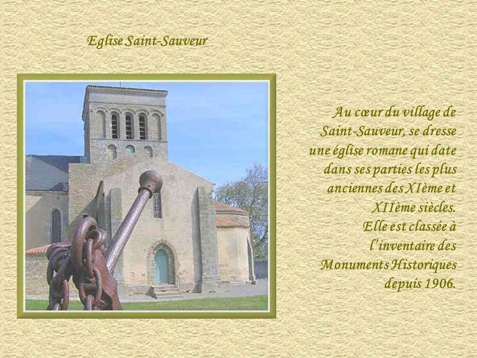 Eglise Saint-Sauveur Au cœur du village de Saint-Sauveur, se dresse une église romane qui date dans ses parties les plus anciennes des XIème et XIIème siècles.