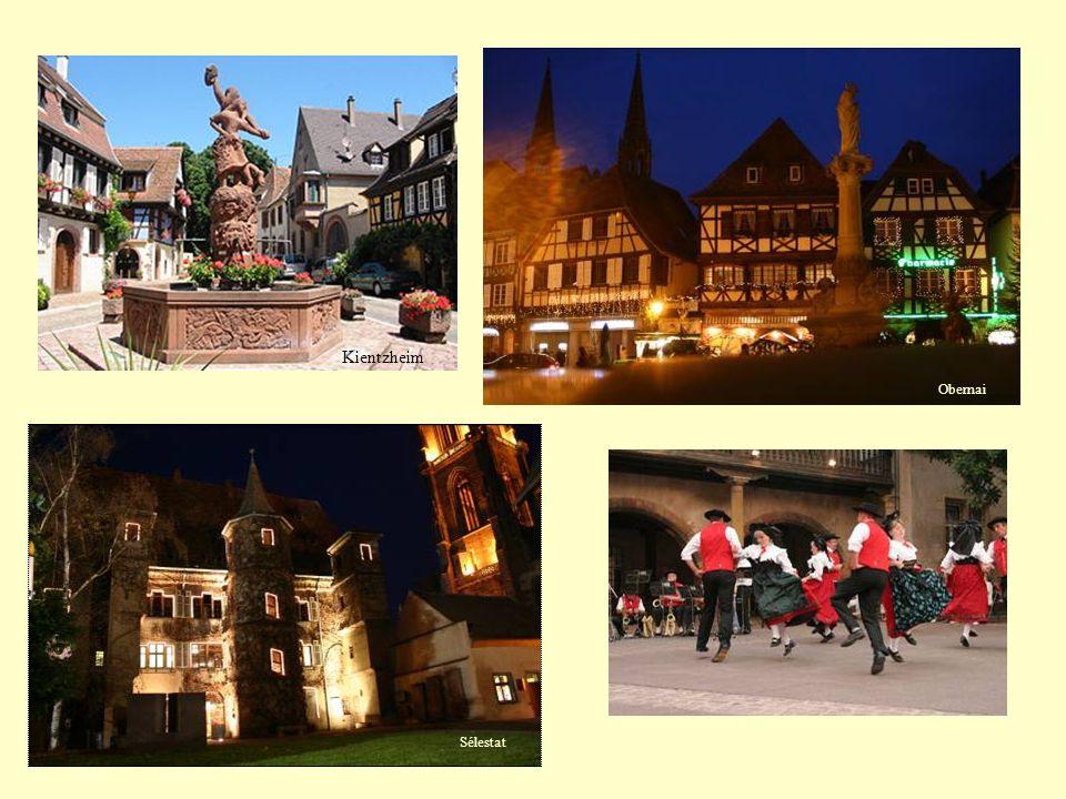 Schirmeck - Struthof Le Struthof est un écart de la commune de Natzwiller au sud-ouest du département du Bas-Rhin.