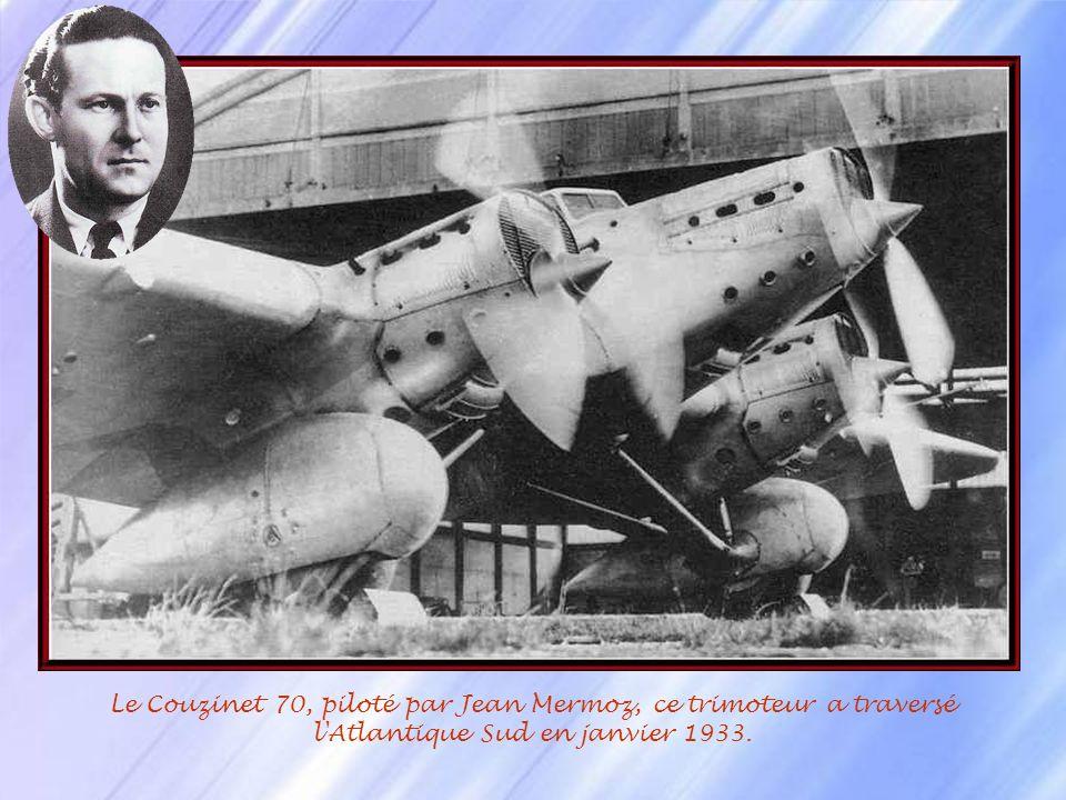 Jean Mermoz (1902-1936), surnommé lArchange ou le Grand, fait ses classes à Istres. Il est breveté pilote de guerre le 8 février 1921. Il se porte vol