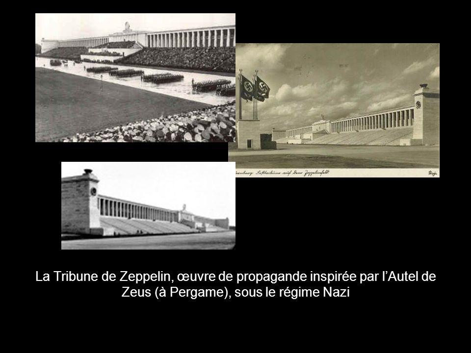 La Tribune de Zeppelin, œuvre de propagande inspirée par lAutel de Zeus (à Pergame), sous le régime Nazi