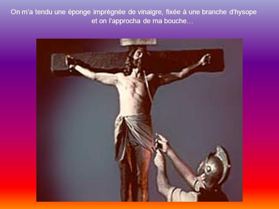 Entends-tu mon cri lorsque jétais fixé sur la croix ? « Jai soif » Défilement manuel